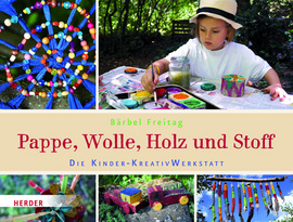 Pappe, Wolle, Holz und Stoff